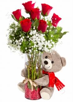 Cam Vazoda Kırmızı Güller ve Ayıcık